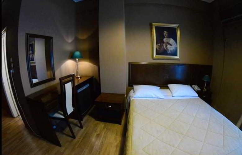 Nicola - Room - 2