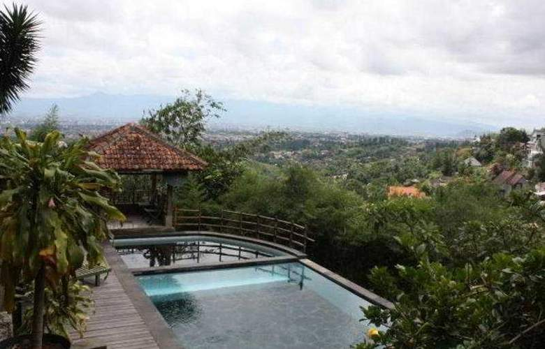 Dago Highland - Pool - 5