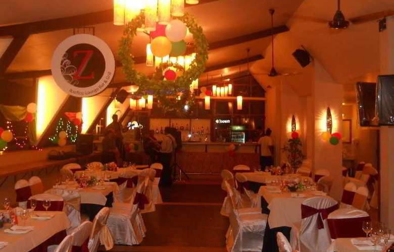 The HQ - Restaurant - 2