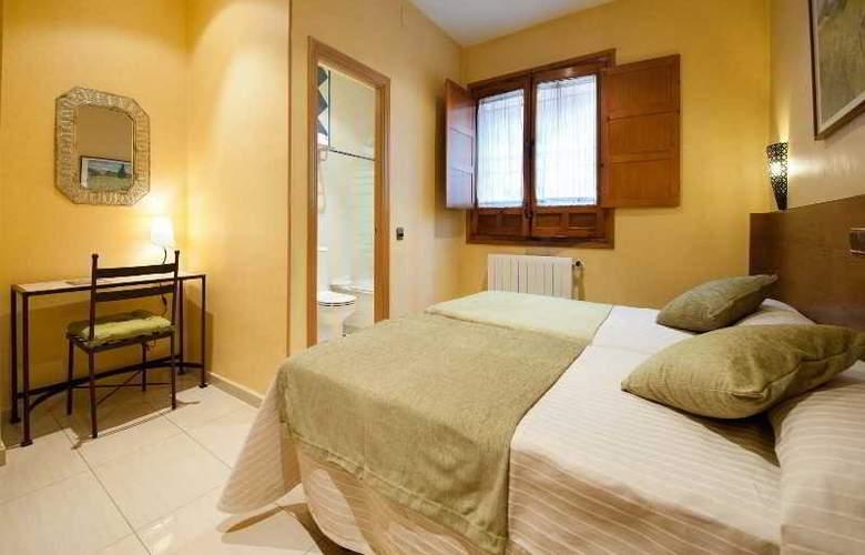 Hotel Sol - Room - 11