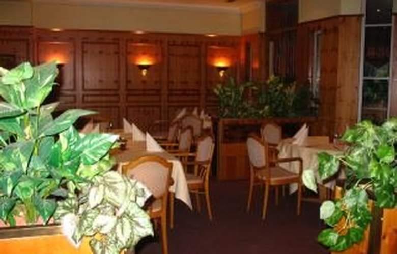 Centro Residence - Restaurant - 4