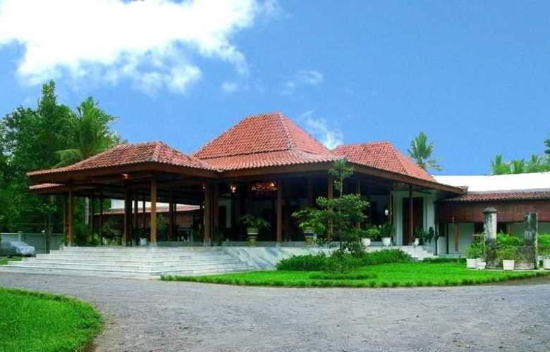 Rumah Sleman - Hotel - 3