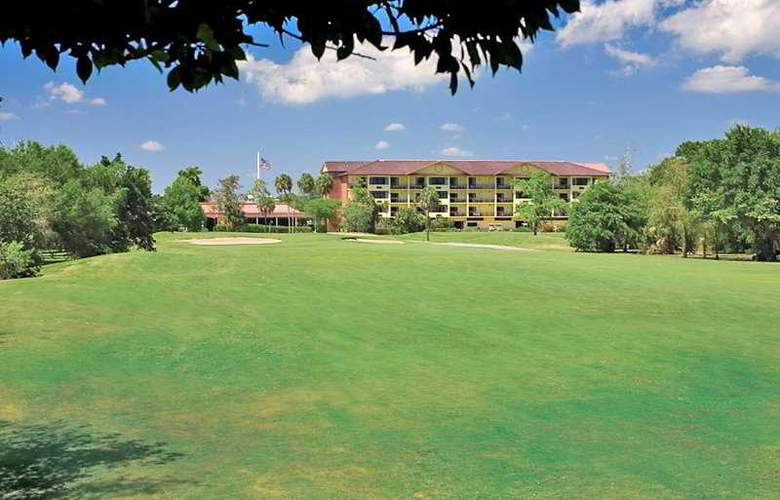 Quality Inn & Suites Golf Resort - Hotel - 0