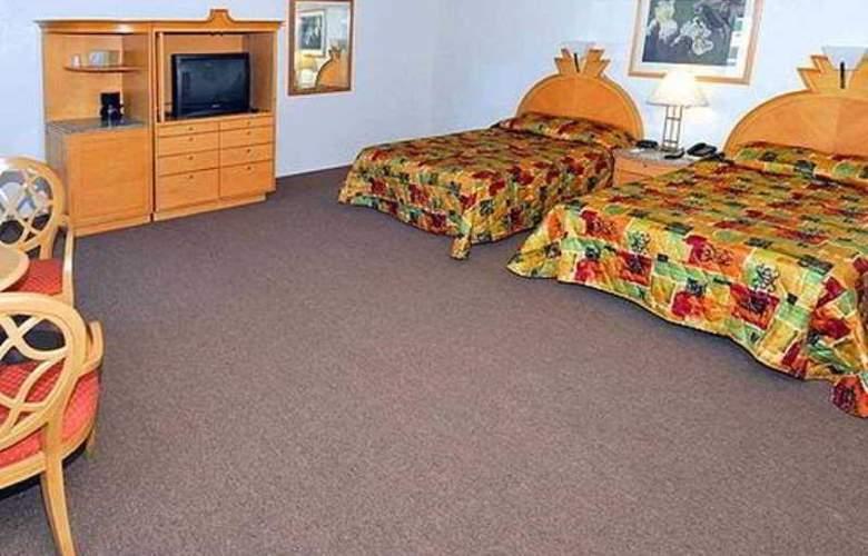 Rodeway Inn Fresno - Room - 1