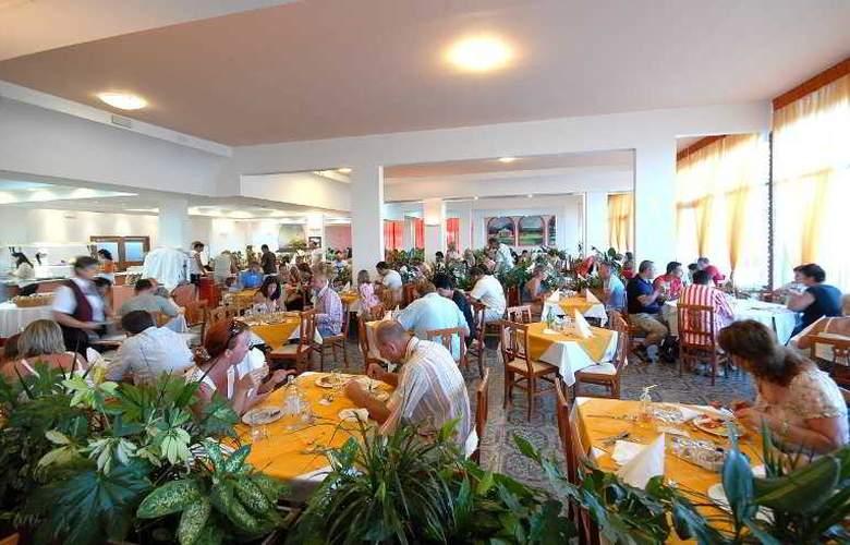 Holiday - Restaurant - 14