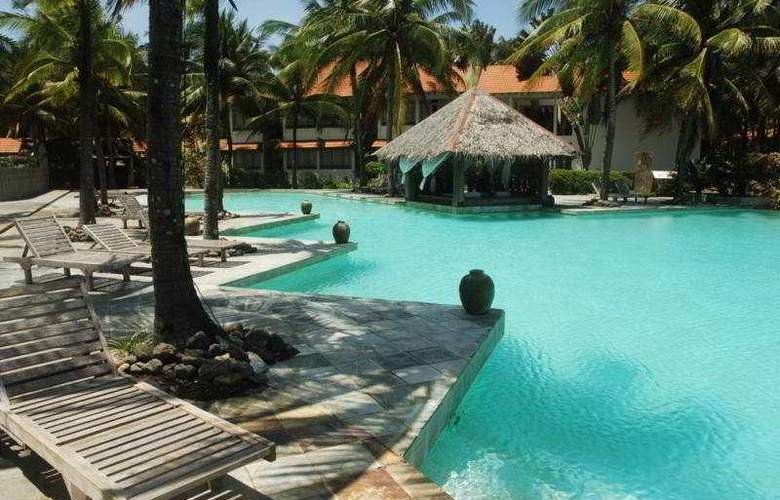 Sutra Beach Resort & Spa, Terengganu - Pool - 5