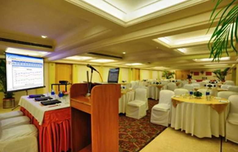 Surya Palace - Restaurant - 7