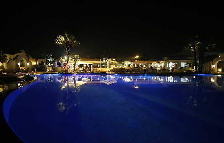 Amphitrite Palace Resort And Spa - General - 1