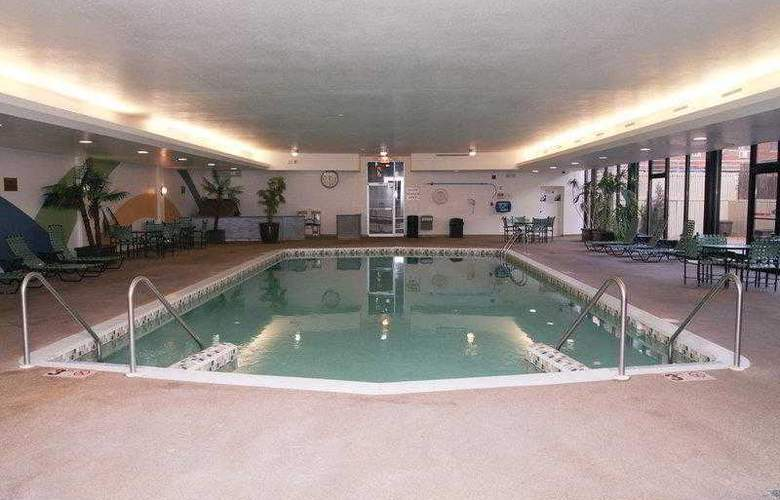 Best Western Woods View Inn - Hotel - 19