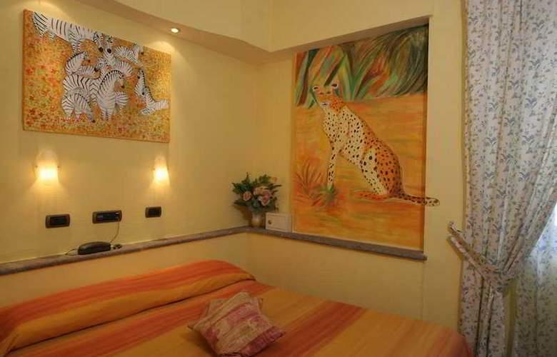 Europeo & Flowers - Sea Hotels - Room - 3