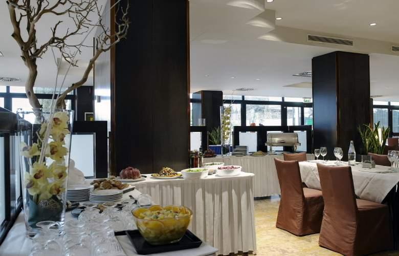 NH Villa Carpegna - Restaurant - 23