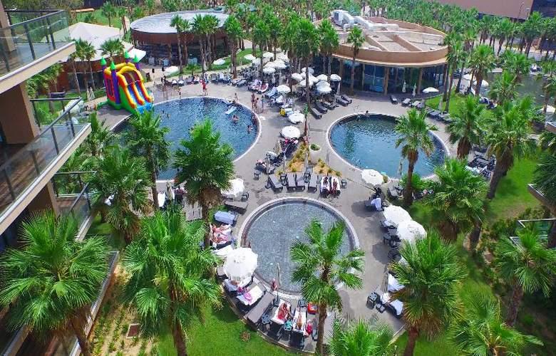 Nau Salgados Palm Village Apartments & Suites - Pool - 13