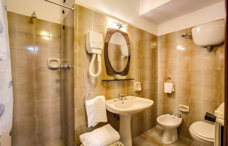 Hotel Roma - Room - 8