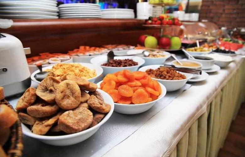 Santa Ottoman - Restaurant - 14