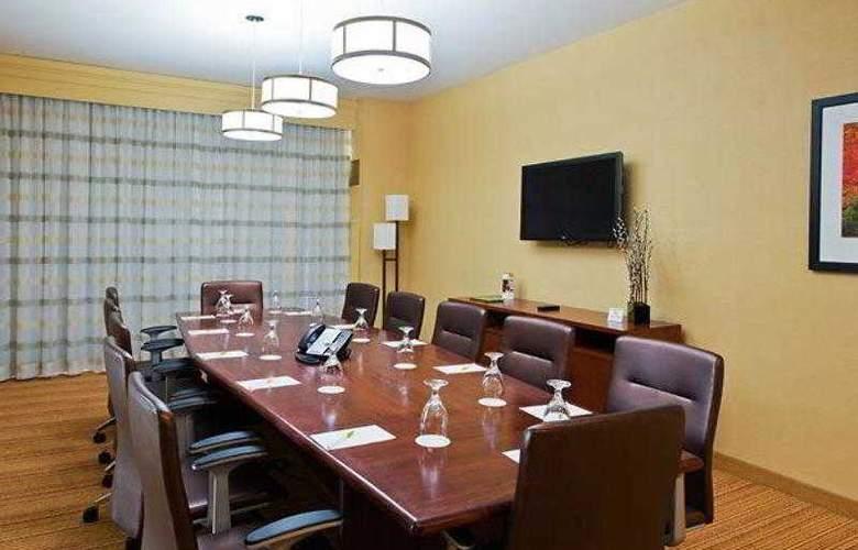 Courtyard Ottawa East - Hotel - 24