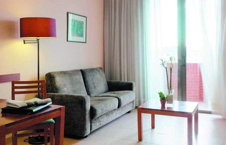 Hesperia Sant Joan Suites - Room - 4