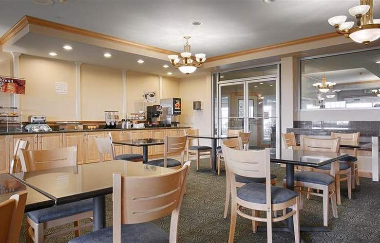 Best Western Lighthouse Suites Inn - Restaurant - 45
