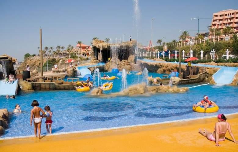 Holiday World Resort - Pool - 30