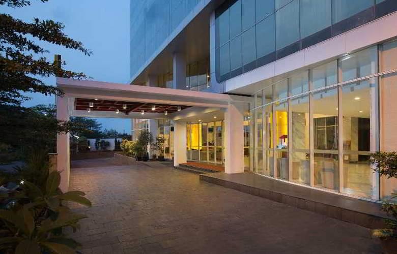 Hariston Hotel & Suites - Terrace - 7