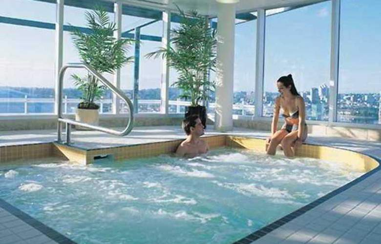 Hampton Inn & Suites by Hilton Downtown Vancouver - Hotel - 13