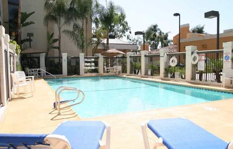Hampton Inn Los Angeles/West Covina - Pool - 4