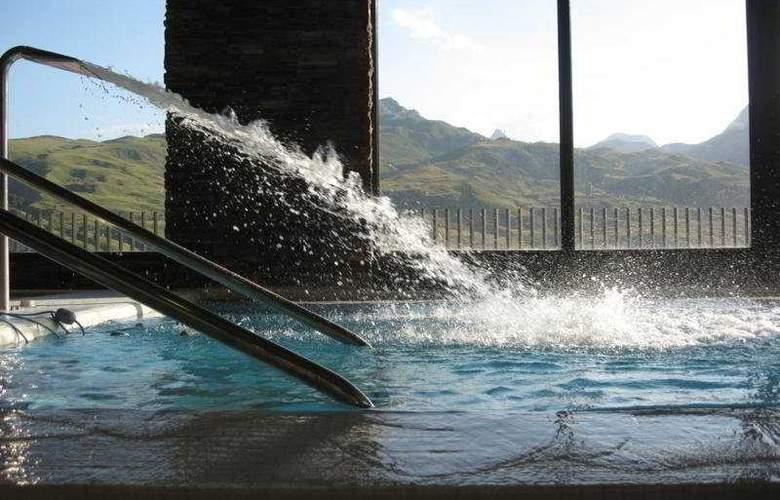 Balneario de Rocallaura - Pool - 11