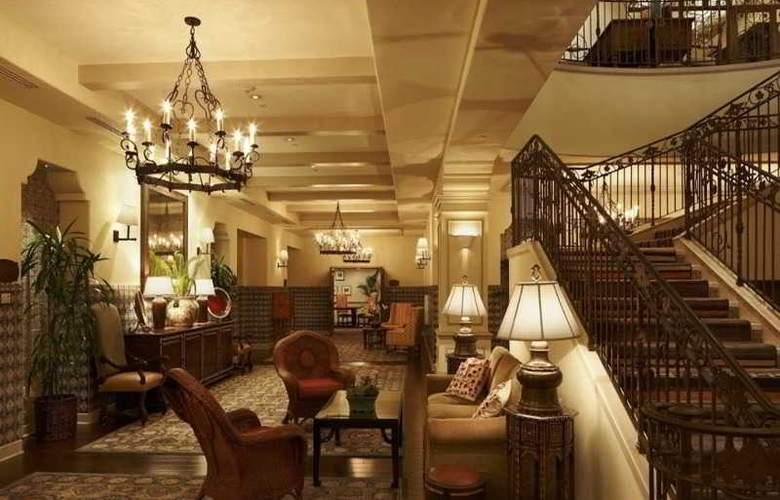Canary Hotel - Hotel - 0