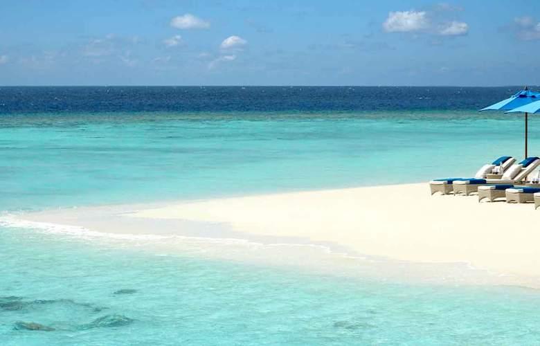 Dusit Thani Maldives - Beach - 20