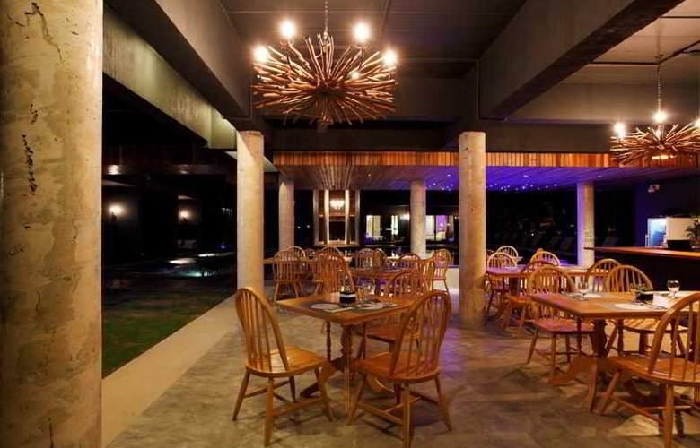 Monochrome Khaolak - Restaurant - 9
