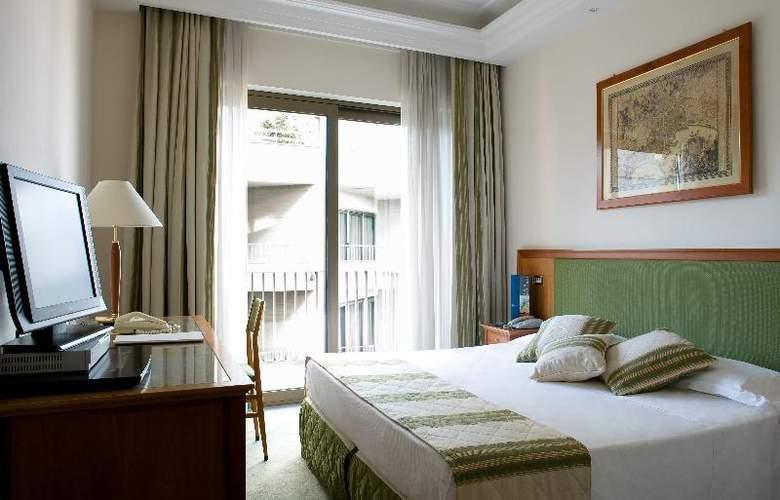 Royal Continental - Room - 2