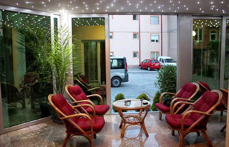 Villa Dislievski - Terrace - 9