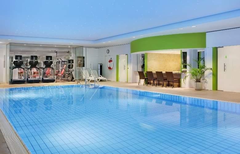 Sheraton Congress Hotel Frankfurt - Pool - 33