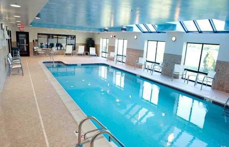 Hampton Inn & Suites Detroit-Canton - Hotel - 2
