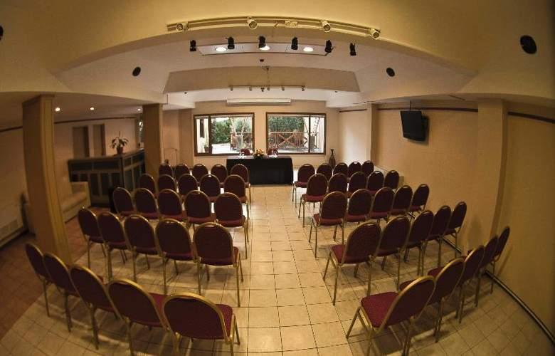 Cap Polonio - Conference - 22