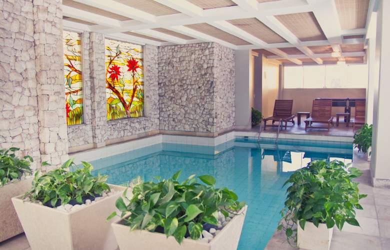 Mabu Royal & Premium - Pool - 9