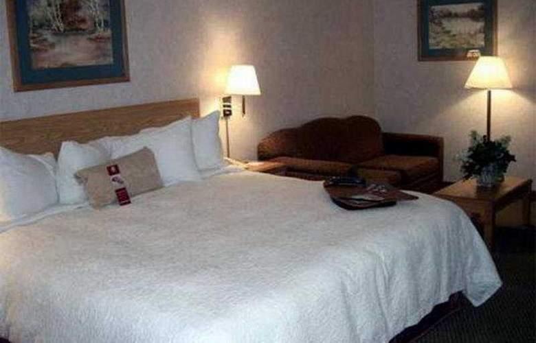Hampton Inn Bakersfield-Central - Room - 2