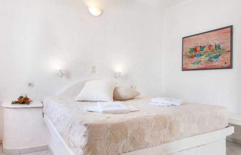 Artemis Suites - Room - 4