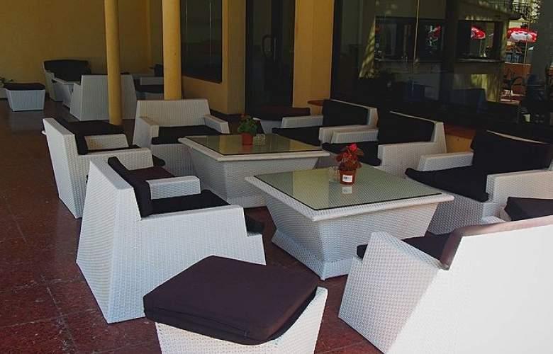 Adia Cunit Playa - Terrace - 4