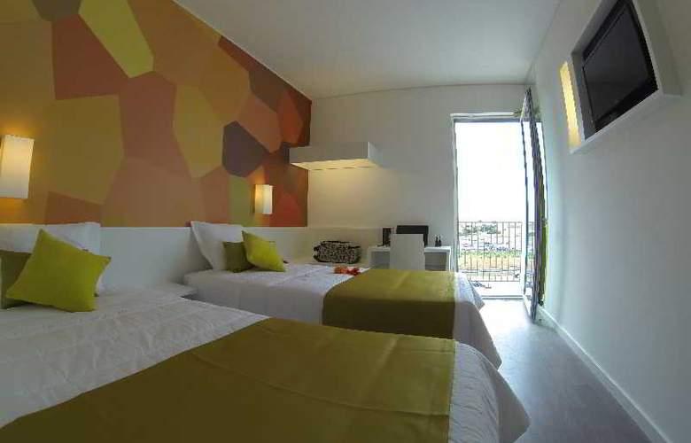 3K Faro Aeroporto - Room - 5