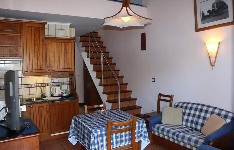 Apartamentos Turísticos Verde Mar - Room - 10