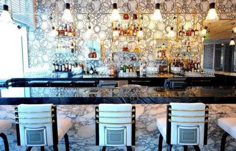Fontainebleau Miami Beach - Bar - 10