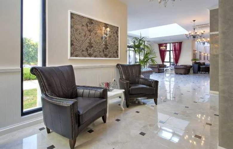 White Rock Castle, Suite hotel - General - 12