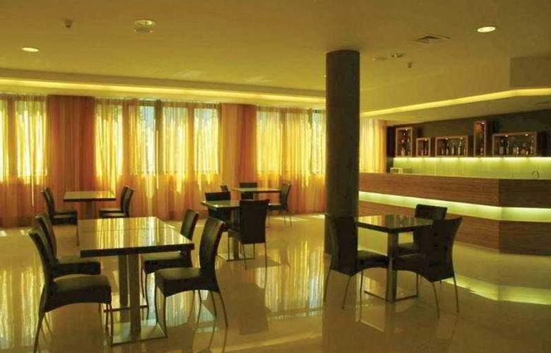 Valgrande Hotel - Bar - 4