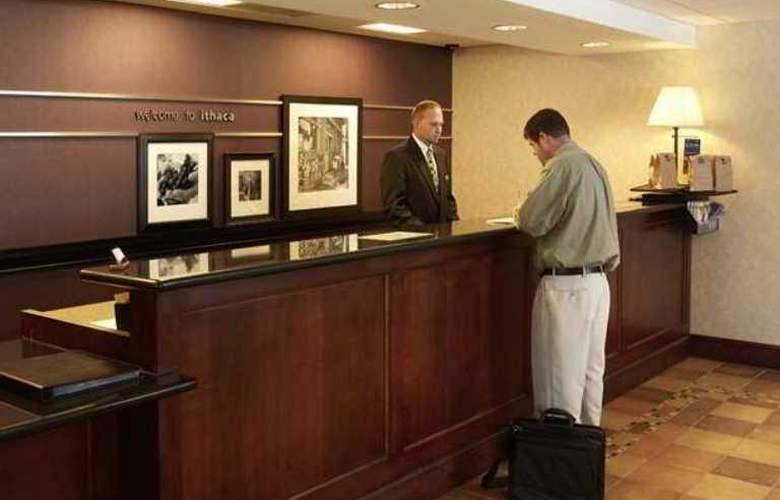 Hampton Inn Ithaca - Hotel - 6