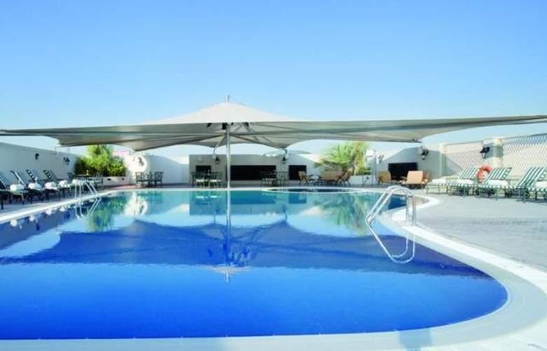 Movenpick Bur Dubai - Pool - 30