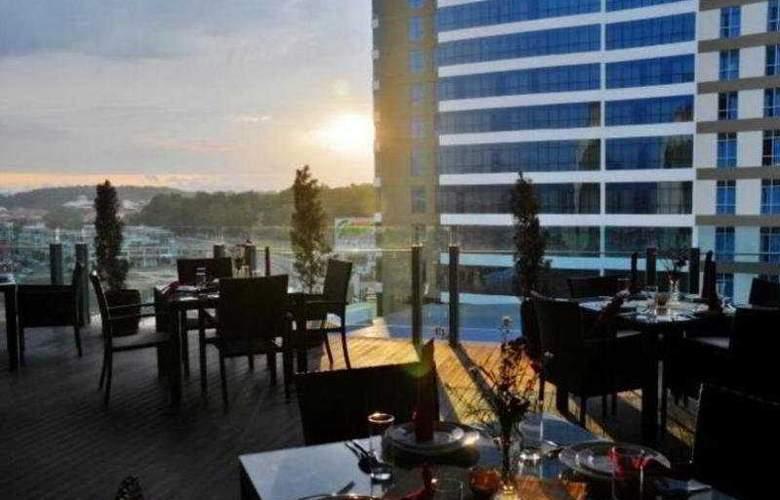 Courtyard Hotel @1Borneo - General - 1