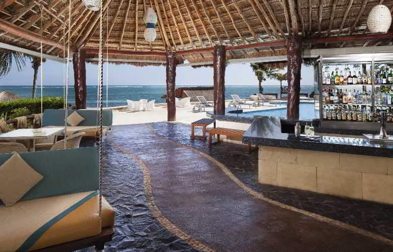Azul Beach & Hotel Resort Gourmet All Inclusive - Bar - 18