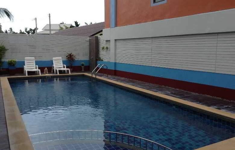 Orange Mansion - Pool - 16