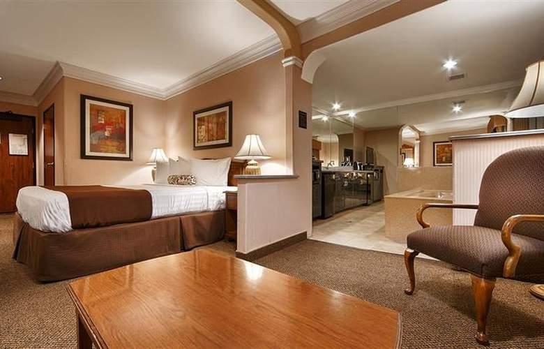 Best Western Plus Suites Hotel - Room - 44