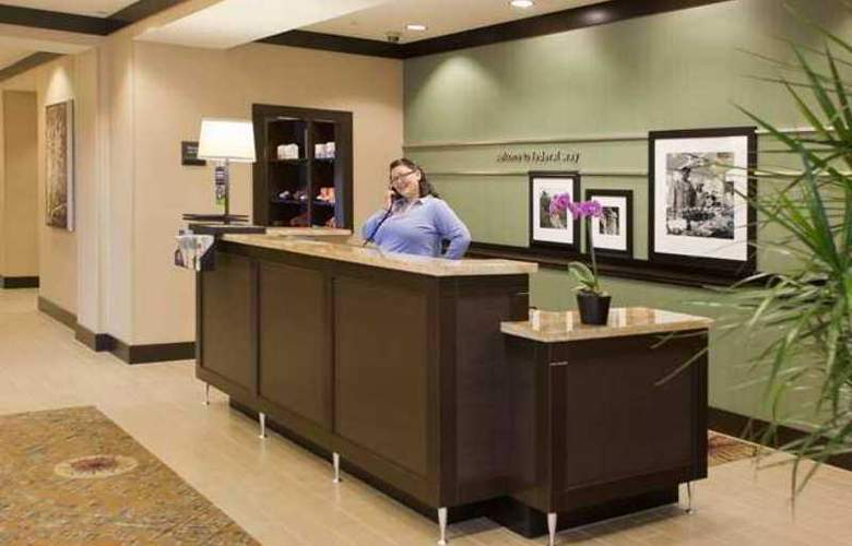 Hampton Inn & Suites Seattle/Federal Way - Hotel - 0